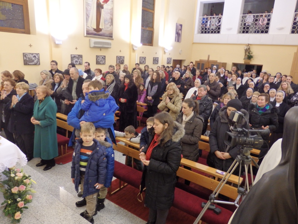 hodočasnici i molitelji utekli su se u zagovor M. Terezije od sv. Josipa