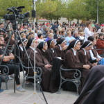 Sestre Karmelićanke  BSI u molitvi s mladima