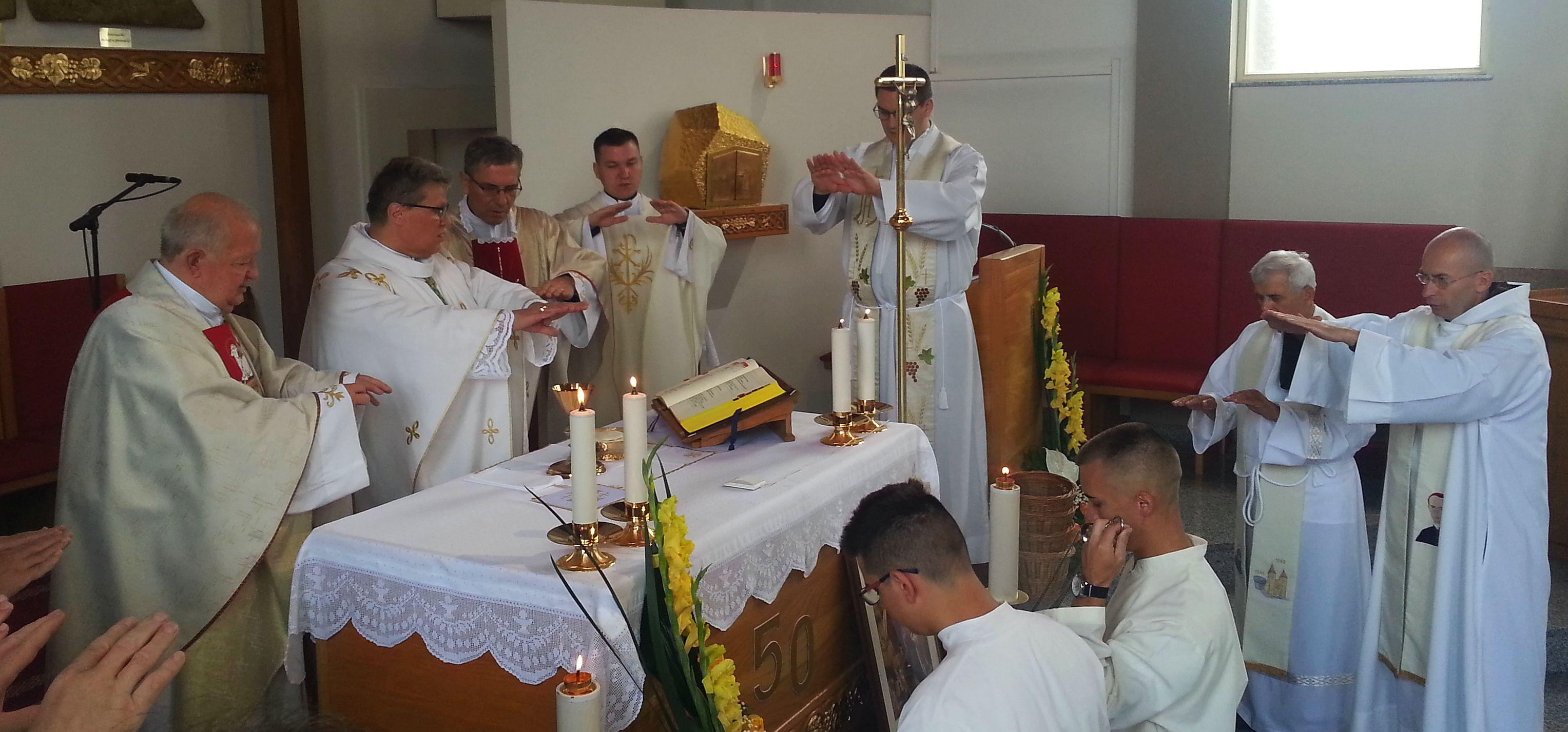 11. Sv . Misa